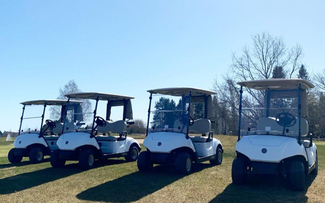 Våra nya golfbilar har kommit